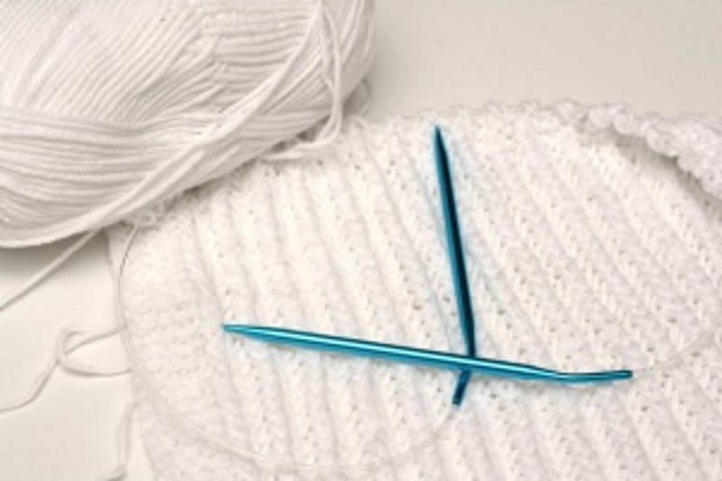 Knitting Patterns For Beginners Circular Needles : Circular Knitting Needles
