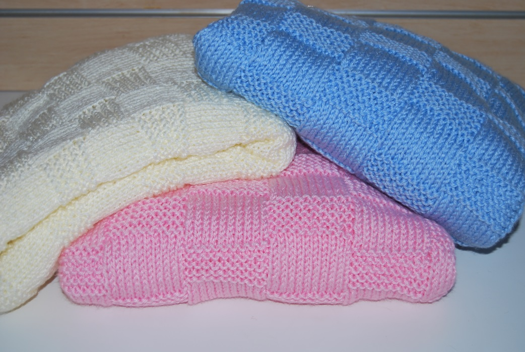 Knitting Pattern Baby Blanket Double Knitting : Garter Stitch Check Baby Blanket Knitting Pattern